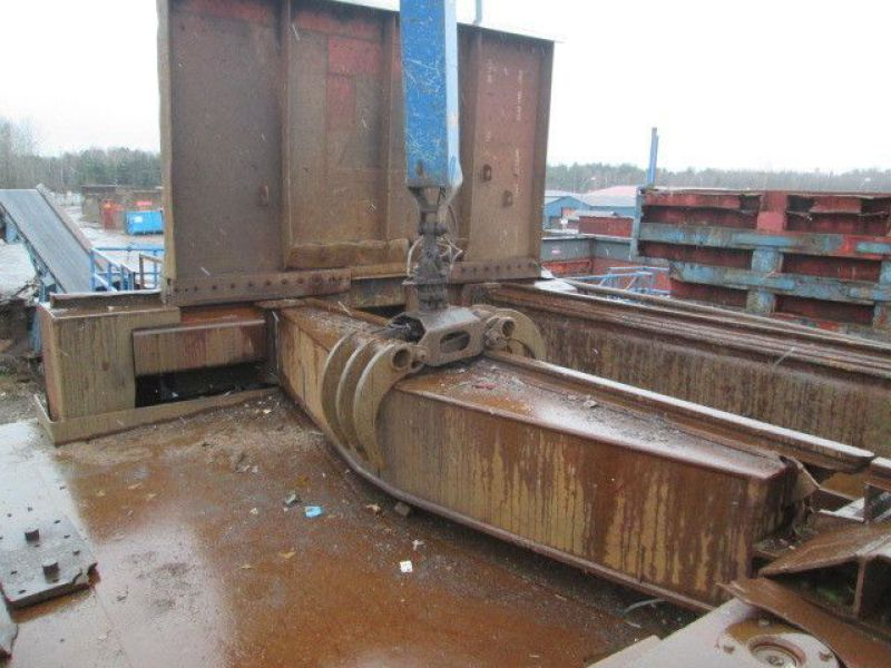 Skrotsax med kran/Scrap shear with crane - 71