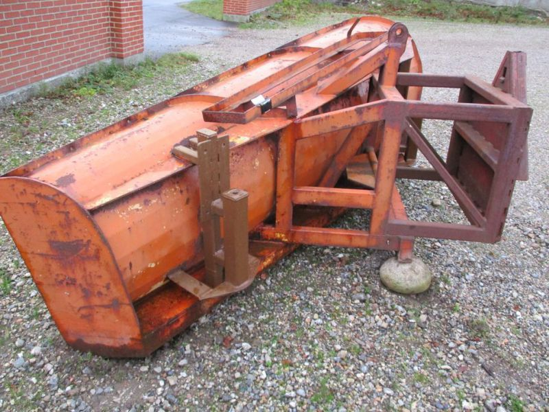 Sneplov 3 meter monteret med A-ramme / Snowplow with a frame - 0