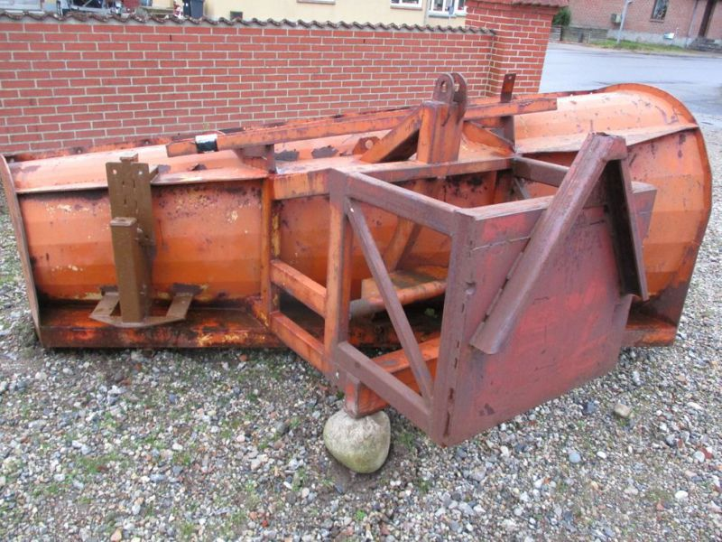 Sneplov 3 meter monteret med A-ramme / Snowplow with a frame - 3