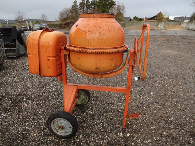 Blandemaskine med benzinmotor / Concrete mixer with petrol engine - 0
