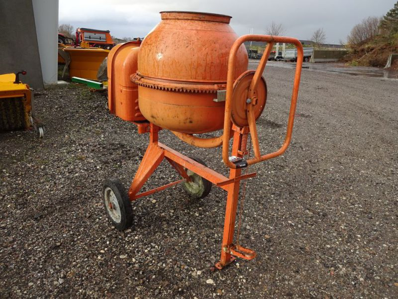 Blandemaskine med benzinmotor / Concrete mixer with petrol engine - 7