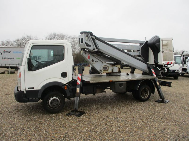Oil & Steel Snake 20.10 Compact Person Lift / NISSAN CABSTAR F35.11 / Truck mounted Lift - 1