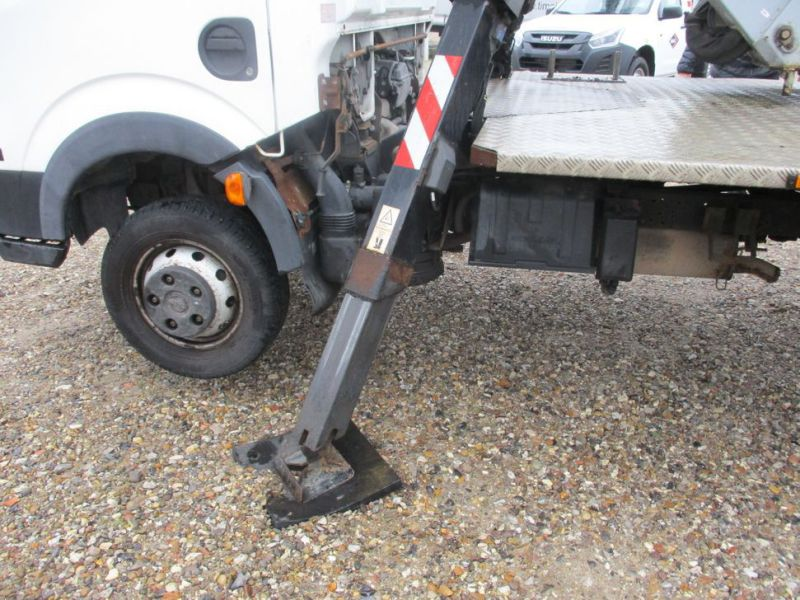 Oil & Steel Snake 20.10 Compact Person Lift / NISSAN CABSTAR F35.11 / Truck mounted Lift - 3