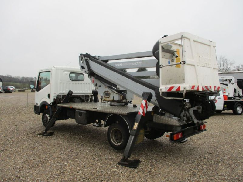 Oil & Steel Snake 20.10 Compact Person Lift / NISSAN CABSTAR F35.11 / Truck mounted Lift - 8