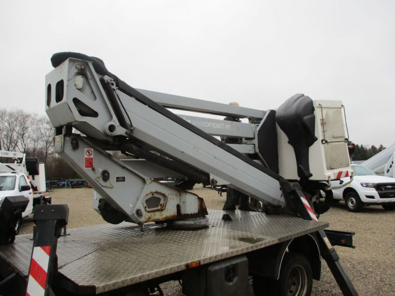 Oil & Steel Snake 20.10 Compact Person Lift / NISSAN CABSTAR F35.11 / Truck mounted Lift - 10