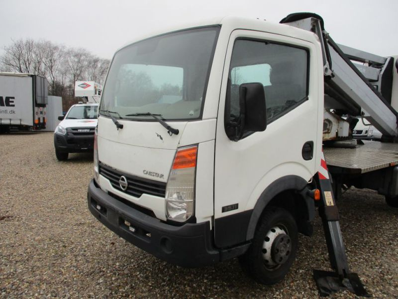 Oil & Steel Snake 20.10 Compact Person Lift / NISSAN CABSTAR F35.11 / Truck mounted Lift - 11