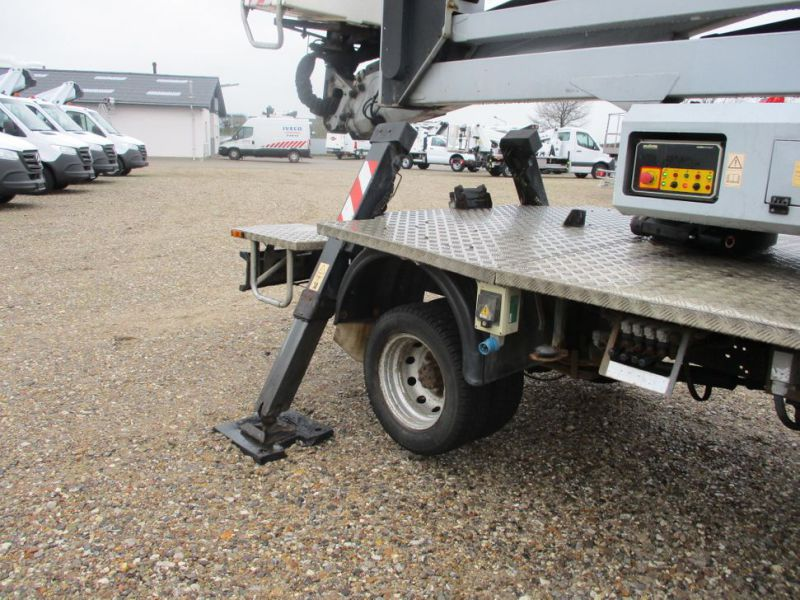 Oil & Steel Snake 20.10 Compact Person Lift / NISSAN CABSTAR F35.11 / Truck mounted Lift - 18