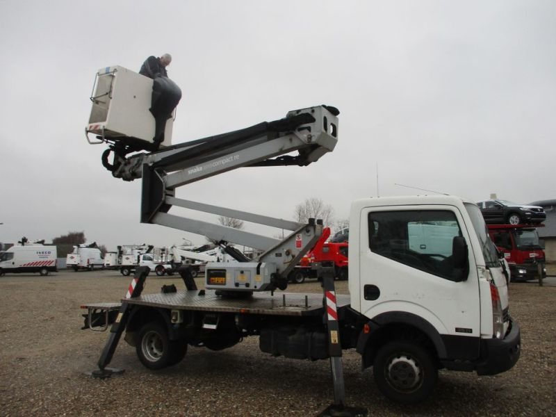 Oil & Steel Snake 20.10 Compact Person Lift / NISSAN CABSTAR F35.11 / Truck mounted Lift - 19
