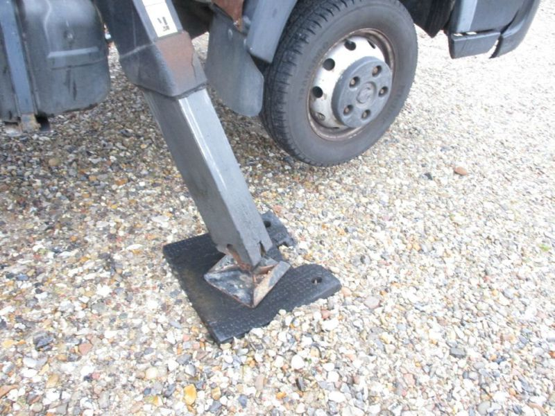 Oil & Steel Snake 20.10 Compact Person Lift / NISSAN CABSTAR F35.11 / Truck mounted Lift - 23