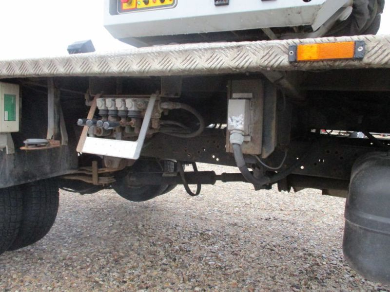 Oil & Steel Snake 20.10 Compact Person Lift / NISSAN CABSTAR F35.11 / Truck mounted Lift - 25