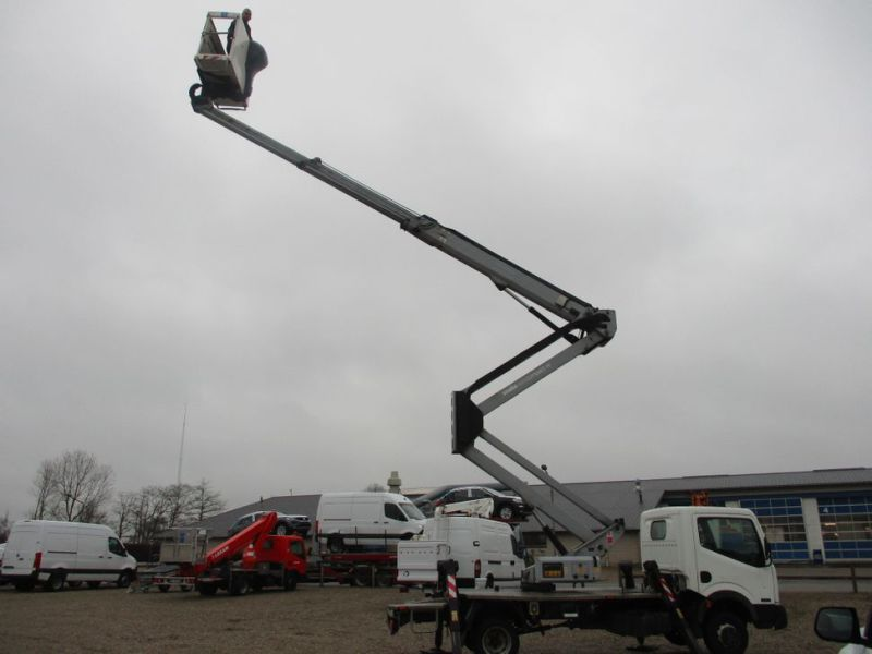 Oil & Steel Snake 20.10 Compact Person Lift / NISSAN CABSTAR F35.11 / Truck mounted Lift - 30