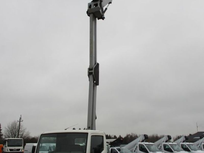 Oil & Steel Snake 20.10 Compact Person Lift / NISSAN CABSTAR F35.11 / Truck mounted Lift - 35