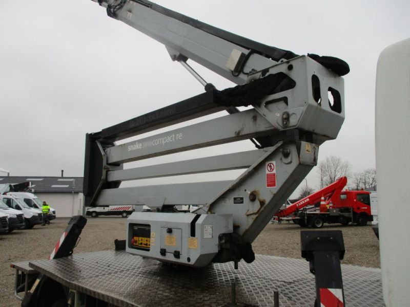 Oil & Steel Snake 20.10 Compact Person Lift / NISSAN CABSTAR F35.11 / Truck mounted Lift - 41