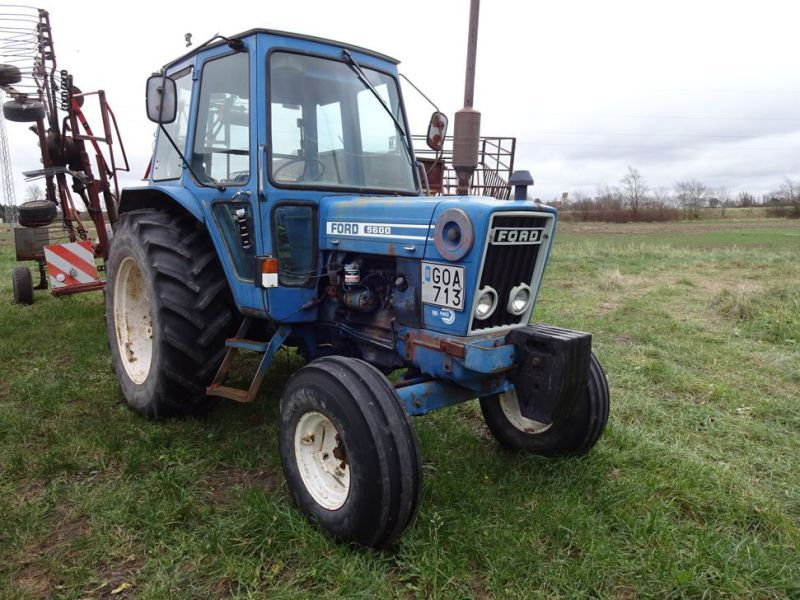 Ford 5600 2wd Tractor - 37