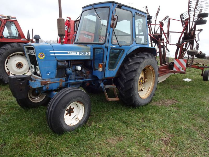 Ford 5600 2wd Tractor - 38