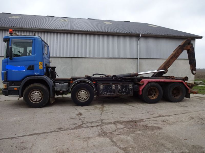 Scania 124G med kroghejs / Scania truck with hook hoist - 0