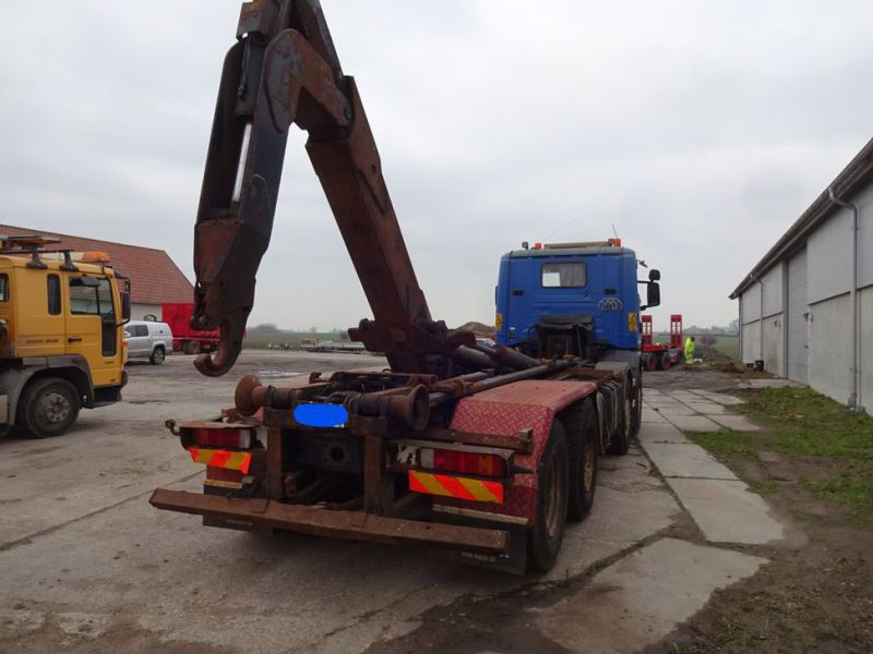 Scania 124G med kroghejs / Scania truck with hook hoist - 20