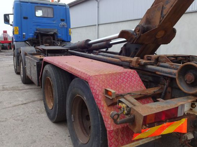 Scania 124G med kroghejs / Scania truck with hook hoist - 25