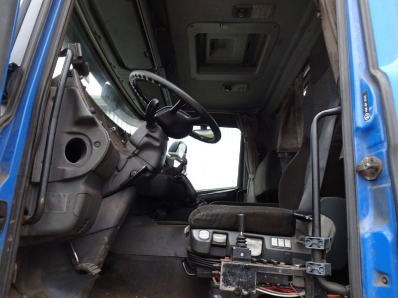 Scania 124G med kroghejs / Scania truck with hook hoist - 33