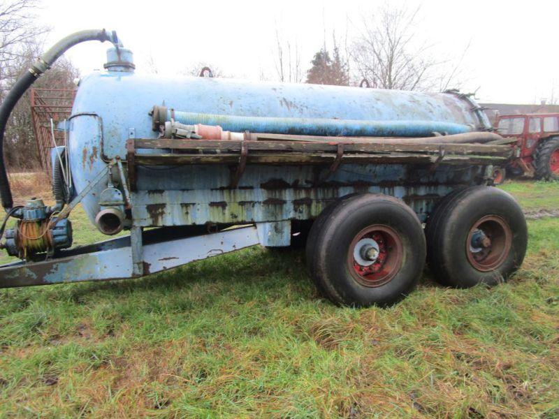 Samson slamsuger påhængsvogn / Samson sewage trailer till salu. På Retrade kan du köpa begagnade ...