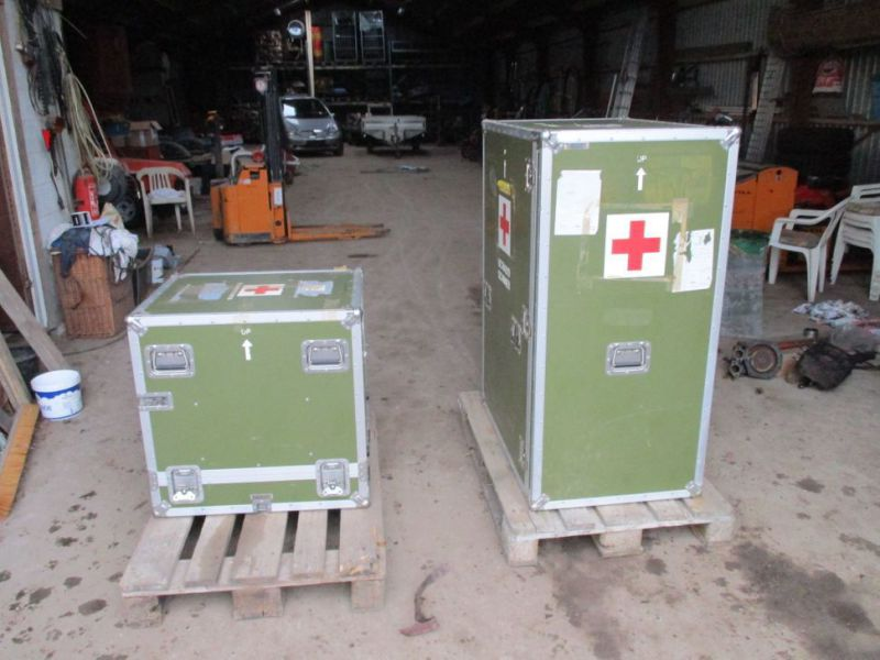 2 stk Pierre Beauvais flight cases incl blood gas analysis aparat / Flight casese including  blood and gas analyzer  - 0