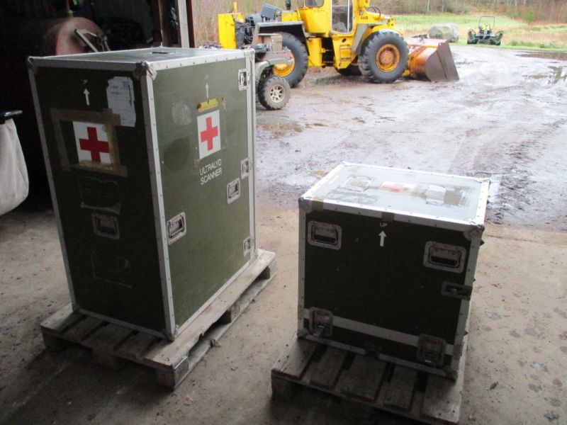 2 stk Pierre Beauvais flight cases incl blood gas analysis aparat / Flight casese including  blood and gas analyzer  - 1