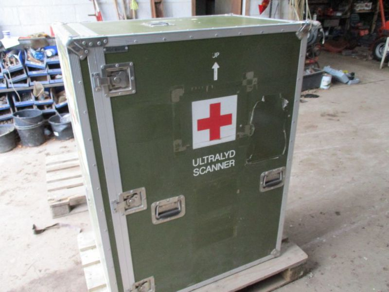2 stk Pierre Beauvais flight cases incl blood gas analysis aparat / Flight casese including  blood and gas analyzer  - 4