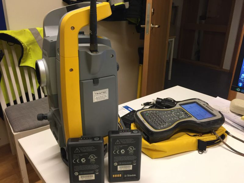 "Totalstation / Total Station Trimble S6 2"" DR PLUS  - 4"