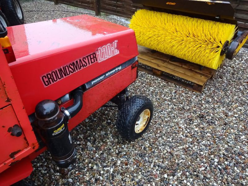 Toro Groundmaster 220 Diesel med kost og klipper / with sweeper and cutter - 5