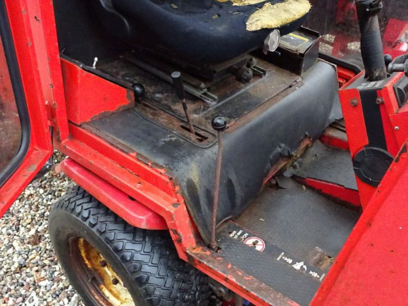 Toro Groundmaster 220 Diesel med kost og klipper / with sweeper and cutter - 17