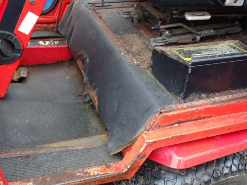 Toro Groundmaster 220 Diesel med kost og klipper / with sweeper and cutter - 21