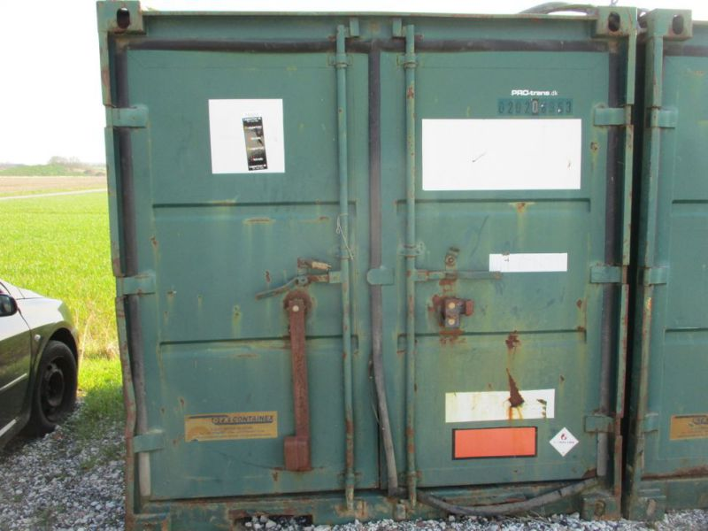 8 fods container med dieseltank / 8 ft. container with fuel tank - 11