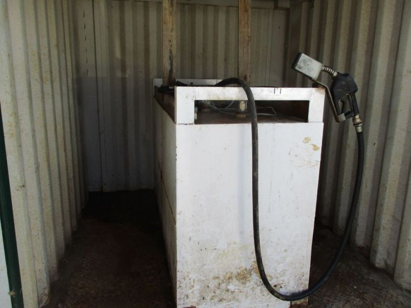 8 fods container med dieseltank / 8 ft. container with fuel tank - 3