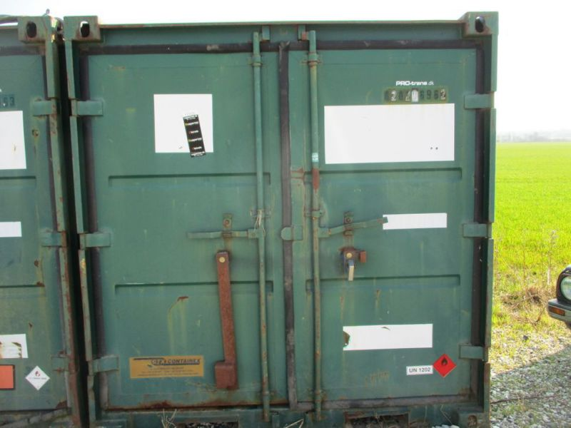 8 fods container med dieseltank / 8 ft. container with fuel tank - 12