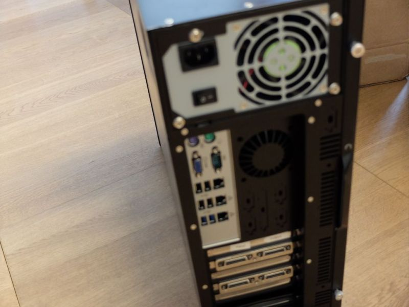 Matrox Videomatrise / PC for videovegg-løsning./ Computer Video Wall Solutions - 5