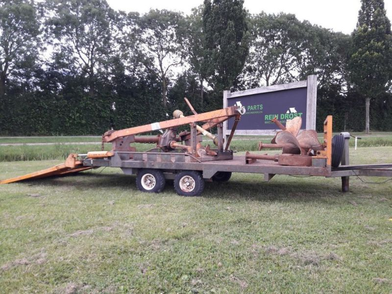aanhanger met boren / trailer with drills - 0