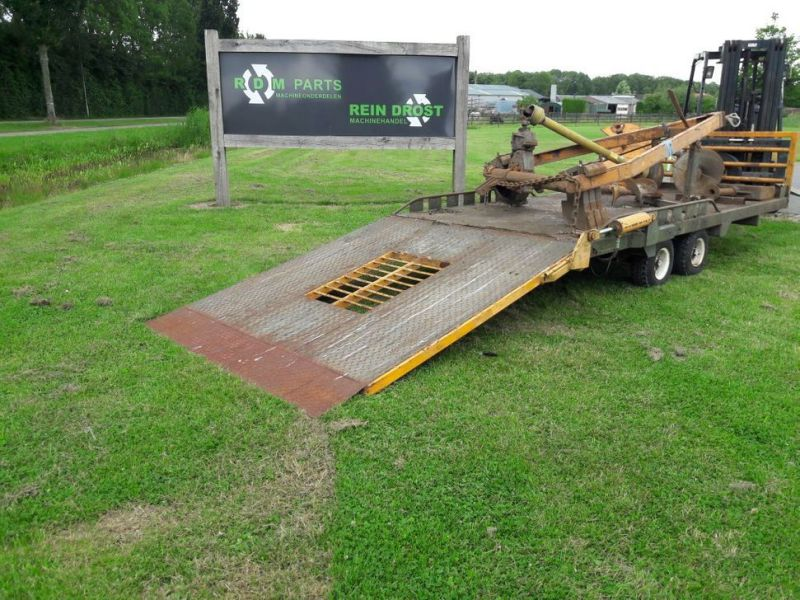 aanhanger met boren / trailer with drills - 1