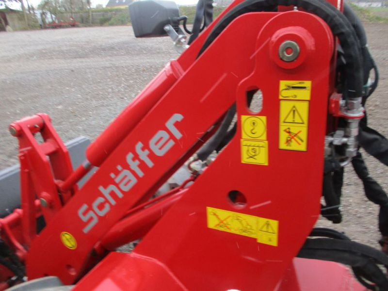 NY Schäffer Nordic 48 DC Minilæsser med 2 redskaber  / NEW Mini loader with 2 tools - 18