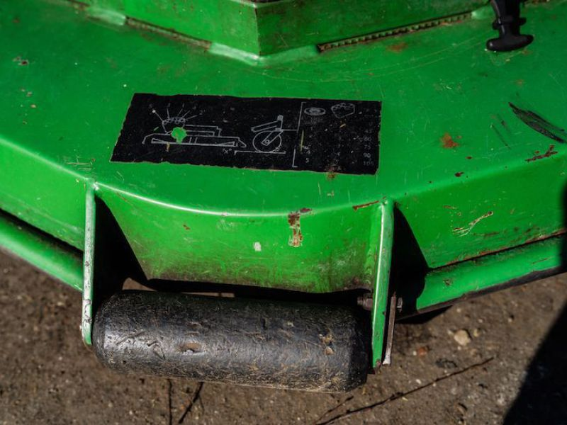 JOHN DEERE 1505/ Wide Area Rotary Mower - 17