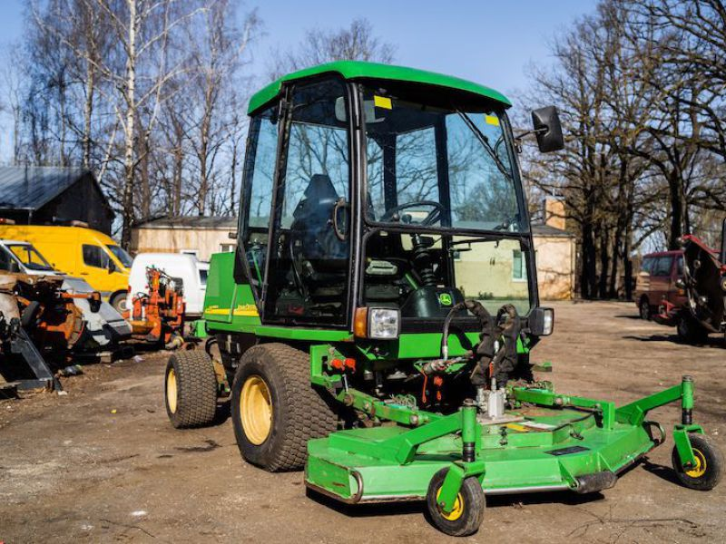 JOHN DEERE 1505/ Wide Area Rotary Mower - 18