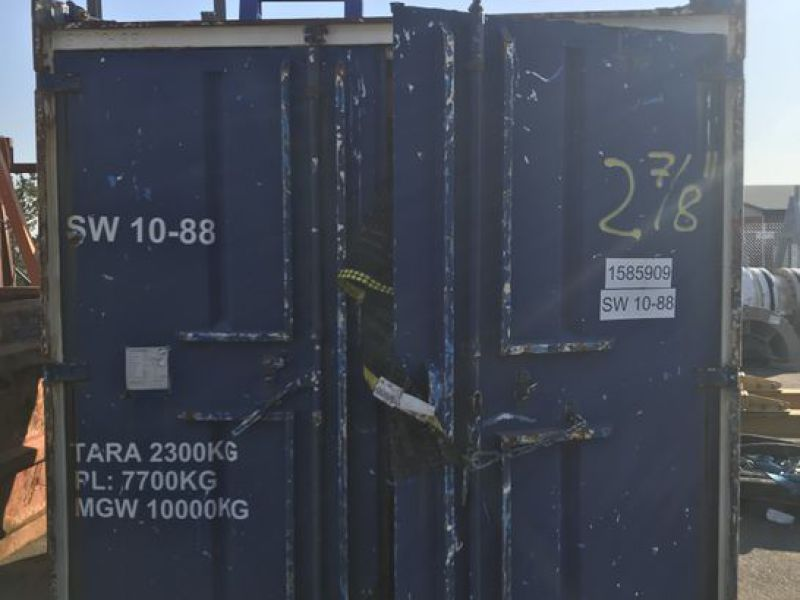 Container 10 fot  med diverse utstyr. / 10 feet container w/ equipment. - 0