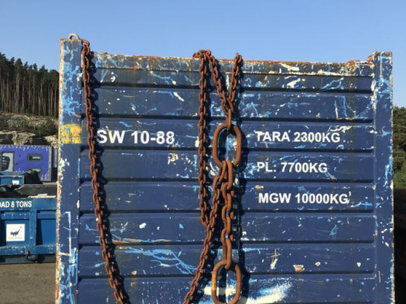 Container 10 fot  med diverse utstyr. / 10 feet container w/ equipment. - 2