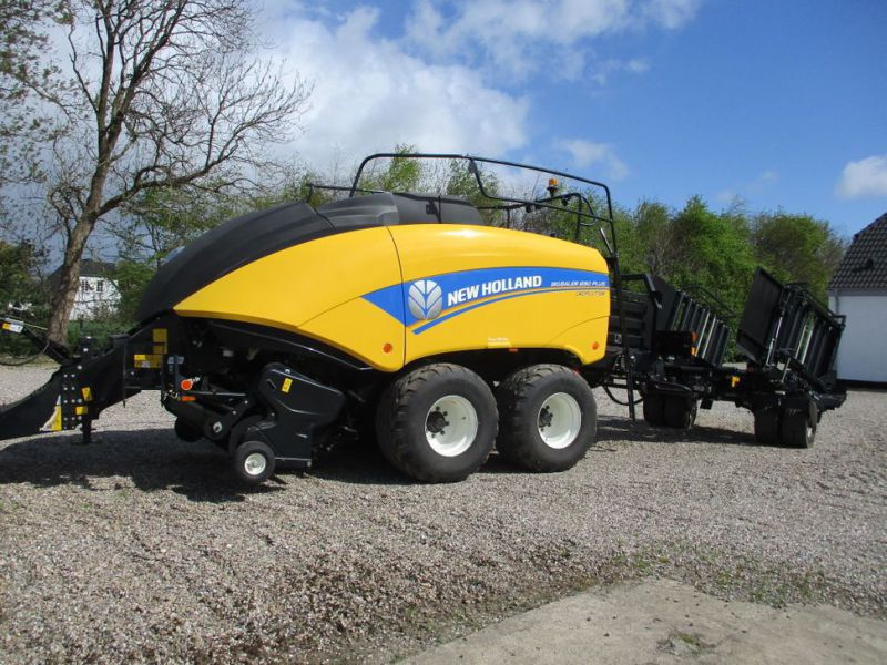 New Holland BB 890 Plus Bigballe Presser med Parklandvogn / Baler with trailer - 1