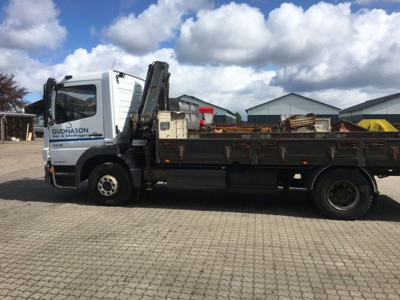 Mercedes Benz Atego 1218 med kran / Lorry with crane - 0