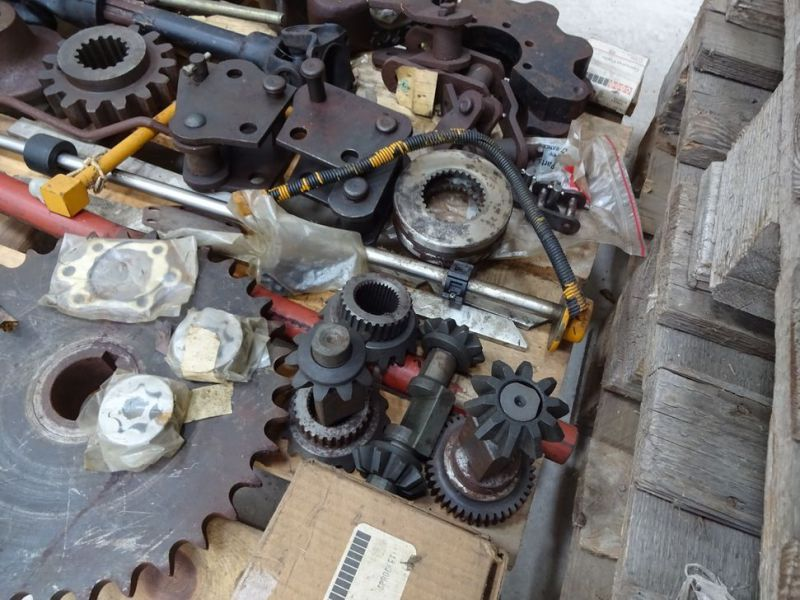 Case reservedele m.v. / spare parts etc. - 4