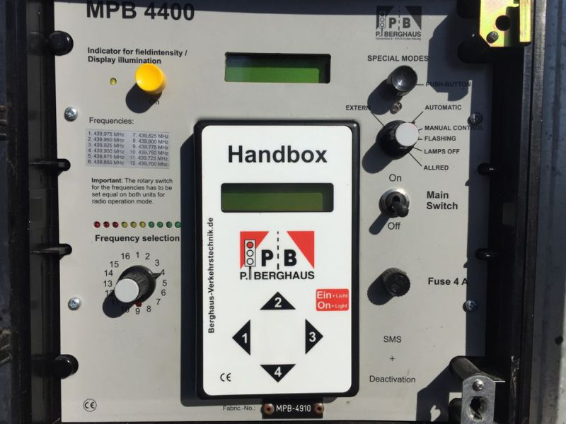 Mobile intelligent traffic lights P. B. P Brghaus model Mpb4400 - 6