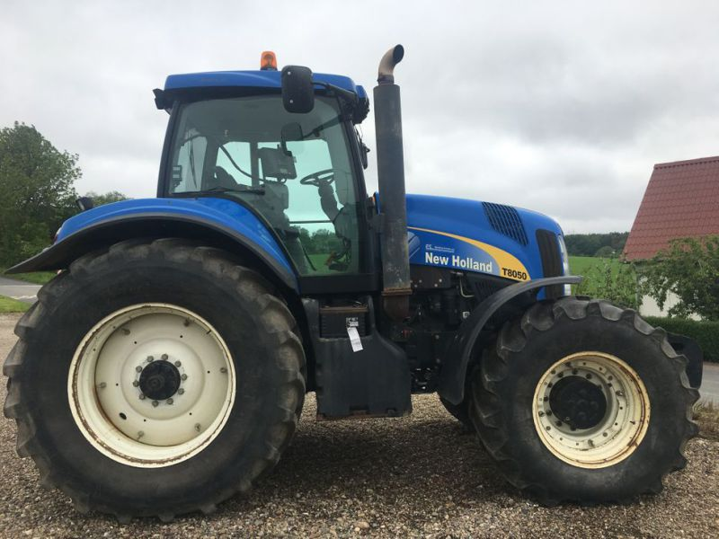New Holland T8050 TG  - 4