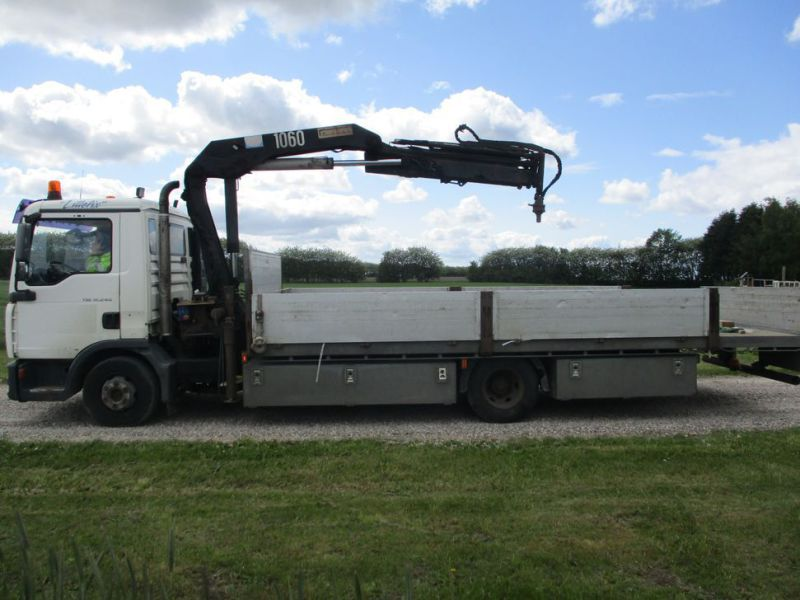 MAN TGL 12.240 M/ HMF1060 K3 Kran / with crane - 1