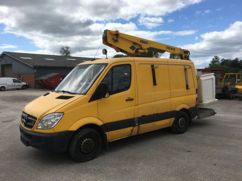Mercedes Benz Sprinter 313 CDI Van med lift / Van with lift - 0