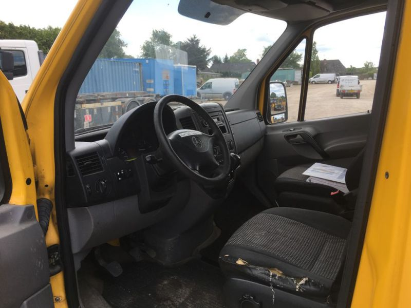 Mercedes Benz Sprinter 313 CDI Van med lift / Van with lift - 15